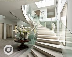 Modern Mansion Interior, Interior Stairs, Home Interior Design, Rooms Home Decor, Luxury Home Decor, Stairs Balusters, Villa, Stairs Architecture, Modern Contemporary Homes