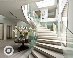 Modern Mansion Interior, Interior Stairs, Home Interior Design, Rooms Home Decor, Luxury Home Decor, Luxury Homes, Stairs Architecture, Interior Architecture, Villa