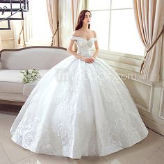 Ball Gown Wedding Dress Floor-length Off-the-shoulder Lace / Tulle with Pattern - USD $159.99