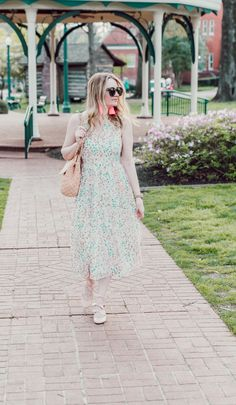 EuroTrip Details 2018 - Where are we going? - Pretty in Pink Megan Spring Summer Fashion, Spring Outfits, Dress Skirt, Lace Skirt, Cool Outfits, Casual Outfits, Warm Weather Outfits, Formal Looks, Weekend Outfit