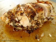 The problem with chicken breast meat is that sometimes the chicken turns out dry as in most of the time. Learn how to brine chicken breasts and infuse tenderness into white-meat poultry in as little as four hours. Roasted Chicken Breast, Oven Roasted Chicken, How To Brine Chicken, Brining Chicken, Baked Chicken, Brining Meat, Moist Chicken, Rosemary Chicken, Rotisserie Chicken
