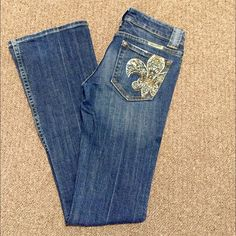 Miss Me Jeans Miss Me Women's Jeans in Size 25. In really good condition. Miss Me Jeans Boot Cut