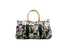 Valise: Mai 2012 - Sac de voyage, Urban Outfitters. DR / Suitcase: May 2012 - Travel bag, Urban Outfitters. DR @plumevoyage     www.urbanoutfitters.com #valise #suitcase #voyage #travel #plumevoyage #urbanoutfitters #flowers #fleurs #travelbag #sacvoyage