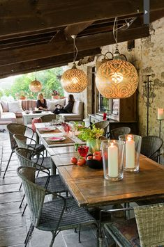 ambiance and outdoor dining