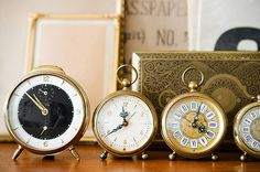 makes me want to start collecting antique clocks...