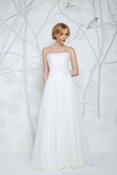 SADONI wedding dress NEVADA with romantic French lace, modern hipline cut, and luxurious silk skirt.