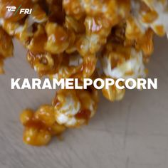 Karamellpopcorn in weniger als einer Minute. Food N, Good Food, Food And Drink, Yummy Food, Sweet Recipes, Snack Recipes, Dessert Recipes, Food Videos, Easy Meals