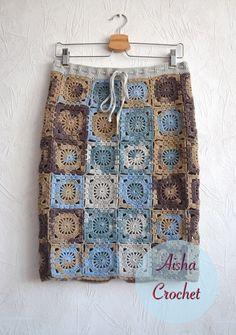 Fabulous Crochet a Little Black Crochet Dress Ideas. Georgeous Crochet a Little Black Crochet Dress Ideas. Crochet Bodycon Dresses, Black Crochet Dress, Crochet Coat, Crochet Skirts, Crochet Cardigan, Crochet Clothes, Knitting Patterns, Crochet Patterns, Crochet Squares