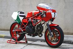 """In 1981, Ducati unveiled a gorgeous racing twin based on the successful Pantah. The TT2 used a Verlicchi-designed frame with a steel cantilever swing-arm, Marzocchi 35 mm forks and 18"""" magnesium wheels."""
