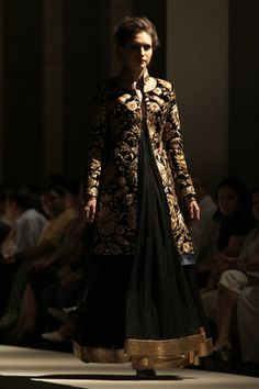 Rohit bal. HAUTE COUTURE