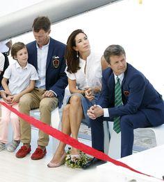 El cariñoso recibimiento del príncipe Henrik a su tía, Mary de Dinamarca, en Río 2016 - Foto 4
