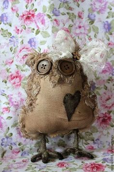 Owl Crafts, Burlap Crafts, Textile Sculpture, Soft Sculpture, Zombie Dolls, Whimsical Owl, Crochet Owls, Ragamuffin, Hand Work Embroidery