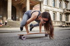 A longboard is so much fun for itself. But trying yoga asanas on it is even more thrilling. Here Amiena Zylla shows an asana called 'The Crow'.