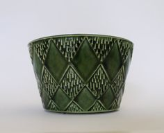 A Vintage McCoy Floraline Green Planter by Dearhunting on Etsy