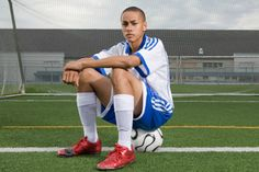 senior picture ideas for guys | senior-picture-poses-for-guys-sports-gear.jpg