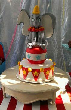 1000 Images About Cakes Dumbo On Pinterest Dumbo Cake