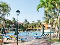 Dit rustig gelegen All Inclusive 4-sterren hotel Barlovento ligt centraal in Varadero en ook nog eens direct aan het strand. Er hangt een gezellige, ontspannen sfeer en het personeel is erg vriendelijk en servicegericht. De combinatie van sfeer, ligging en uitstekende prijs/-kwaliteitverhouding maken dit een zeer geliefd hotel wat vele stamgasten kent.     In de tuin bevindt zich het hoofdzwembad met een apart kinderbad en een tweede zwembad dichter bij het strand.