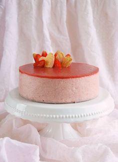 Eper-rebarbara mousse torta készítése - recept Strawberry-rhubarb mousse cake recipe