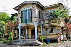 Balay Daku - Ancestral House located in Hacienda Guadalupe, Barangay Ayungon, La Carlota City Filipino Architecture, Philippine Architecture, Spanish Architecture, Abandoned Mansions, Abandoned Houses, Old Houses, Small Houses, Filipino House, Philippine Houses