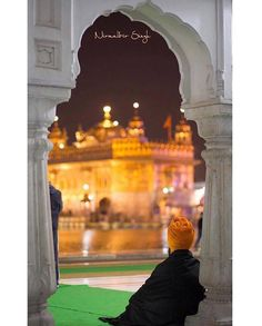 """#PictureOftheDay  What shall I say? Whom should I speak? Whatever I have to say, I say it to God.  You are my hope, forever and ever. If you bestow greatness, then it is Your greatness; here and hereafter, I meditate on You. God of Nanak is forever the Provider of peace; Your Name is my only strength."""" (Guru Granth Sahib Ji, 382)  Capture by @nirmalbir_clicks"""
