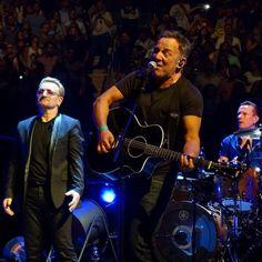 U2 estuvo acompañado por Bruce Springsteen en NYC anoche.