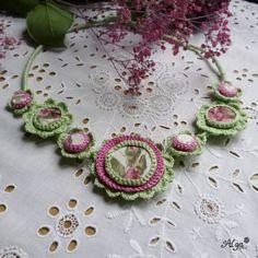 Háčkovaný náhrdelník Jarní vánek Crochet Earrings, Necklaces, Jewelry, Accessories, Jewlery, Jewerly, Schmuck, Jewels, Jewelery