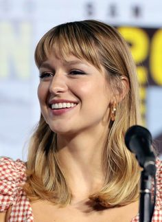 Actrice de Supergirl Melissa Marie Benoist, Melissa Benoist Hot, Melissa Benoit, Melissa Supergirl, Supergirl 2015, Bleach Blonde Hair, Happy Birthday Beautiful, Natural Blondes, Platinum Blonde Hair