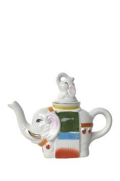 Vintage Elephant Teapot by Vintage Bazaar on Elephant Teapot, Vintage Elephant, Elephant Love, Little Elephant, White Elephant Gifts, Giraffe, Teapots And Cups, Teacups, Teapots Unique