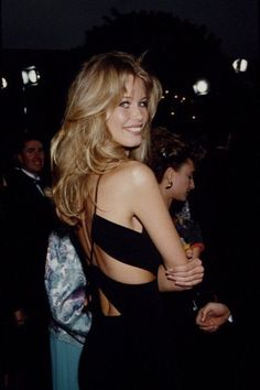 Claudia Schiffer, 90s Hairstyles, Hairstyles With Bangs, Grunge Hairstyles, Hairstyles For Night Out, 90s Haircuts, Blowout Hairstyles, Haircuts Straight Hair, 90s Grunge Hair