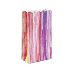 ten colourful ribbon lolly bags. Each has a flat base, so they easily stand alone filled with goodies for your guests. Size: 162x89mm