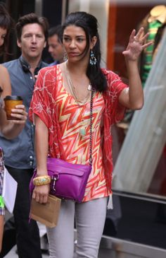 b498e87e9e1c Jessica Szohr carries Rebecca Minkoff on the set of Gossip Girl Rebecca  Minkoff Mac