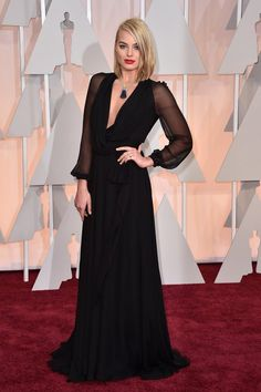 Margot Robbie's Oscars 2015 Red Carpet Dress - Hollywood Reporter