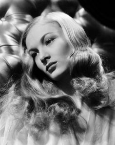 Taylor Momsen or Veronica Lake? Who is the most beautiful blonde actress in Hollywood? Hollywood Icons, Old Hollywood Glamour, Golden Age Of Hollywood, Vintage Hollywood, Hollywood Actresses, Classic Hollywood, Hollywood Divas, Hollywood Style, Hollywood Heroines