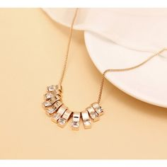 Fashion Shiny Array Alloy Crystal Pendant Necklace For Decoration