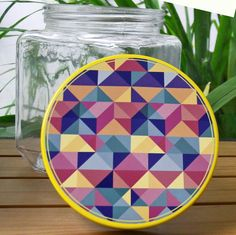 Geometric pattern decorative jar