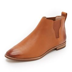 Madewell Bryce Chelsea Boots (740 AED) ❤ liked on Polyvore featuring shoes, boots, ankle booties, english saddle, chelsea bootie, leather boots, leather chelsea ankle boots, leather booties and rubber sole boots
