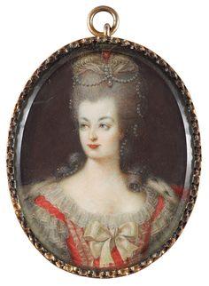 """""""MARIE ANTOINETTE"""" (1755-1793). Miniatyr. Gouache på ben 7 x 5 cm. Samtida innefattning."""