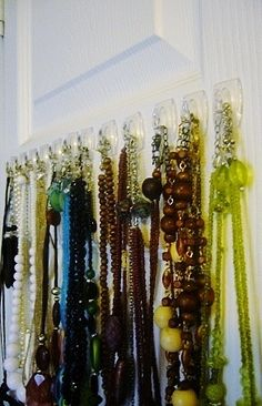 Quick and easy way to organize jewelry.