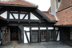 Bran Castle FASHIONISMO VAMP http://www.redevampyrica.com/home/?page_id=7469