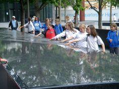 06 Children touching water table Townshend Landscape Archtects « Landscape Architecture Works | Landezine