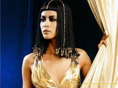 #Egipto, #Belleza Las mujeres de Egipto se preocupaban mucho por su aspecto, por ello siempre utilizaban adorno en su cabello,.