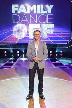 "@Derek Hough ""Family dance off"""