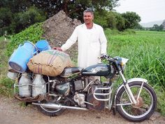 Ferro Velho Motos  Antigas : Trabalhar é minha sina.  Royal Enfield Diesel