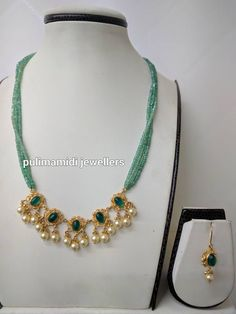 Jewelry Design Earrings, Gold Jewellery Design, Necklace Designs, Beaded Jewelry, Jewelry Necklaces, Gold Jewelry Simple, Diamond Choker, Gold Choker, Chains