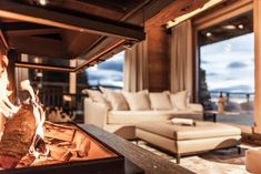 Breathtaking views combined with an exclusive, top quality residential feel – in the spacious mastersuite, holiday dreams become true. The bathroom comes with a Private-SPA (steam bath, Finish sauna, wellness shower).  #hahnenkamm #hahnenkammlodge #kitzbühellodge #lodge #luxurychalets #luxurylodge