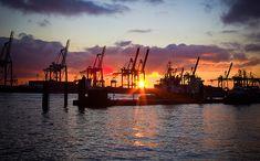 Abendsonne an der Elbe, Hamburg #Hamburg #EuropaPassage #EuropaPassageHamburg