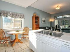 Photo 19: Photos: 900 LAKES BLVD in FRENCH CREEK: Z5 French Creek Condo/Strata for sale (Zone 5 - Parksville/Qualicum)  : MLS(r) # 400702