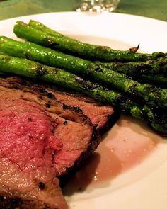 Delicious! #glutenfree #recipes Sublimely Simple : Delicious Grilled Asparagus with Tri-Tip Roast!