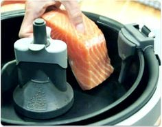 Salmon with Soy Sauce Tefal Actifry, Tefal Air Fryer, Food T, Food And Drink, Actifry Recipes, New Kitchen Gadgets, Steamer Recipes, Slimming World Recipes, Fried Chicken
