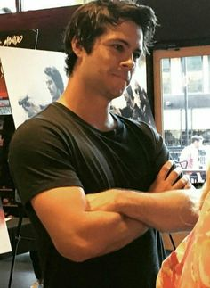 Dylan O'Brien talks Taylor Kitsch, American Assassin and more on the red carpet in Austin, Texas. Teen Wolf Stiles, Teen Wolf Dylan, Teen Wolf Cast, Dylan O'brien, Dylan O Brien Cute, O Daddy, Mitch Rapp, Dylan Sprayberry, Boyfriends